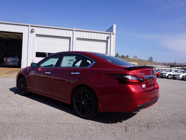 2017 Nissan Altima 2.5 SR Harrison, Arkansas 1