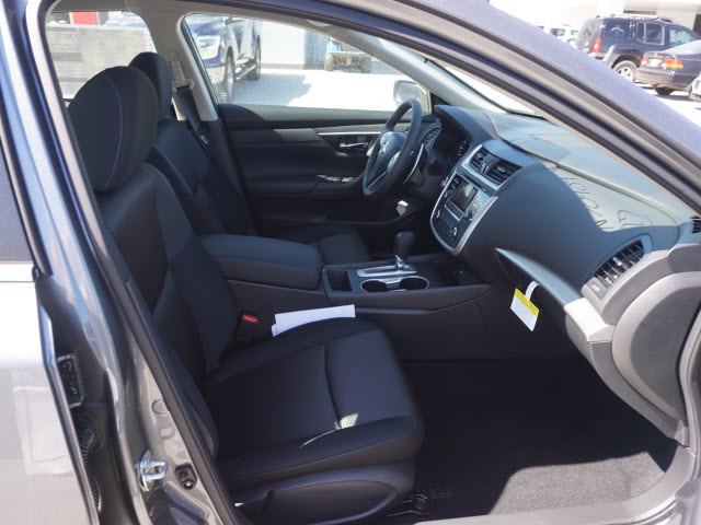 2017 Nissan Altima 2.5 SR Harrison, Arkansas 6