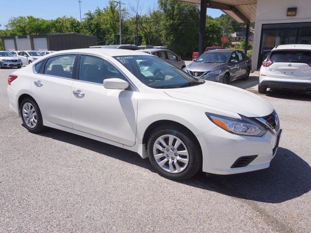 2017 Nissan Altima 2.5 S Harrison, Arkansas 3