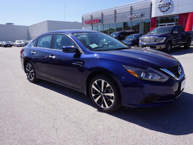 2017 Nissan Altima 2.5 SR Harrison, Arkansas 3