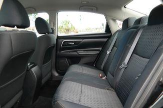2017 Nissan Altima 2.5 SV Hialeah, Florida 26