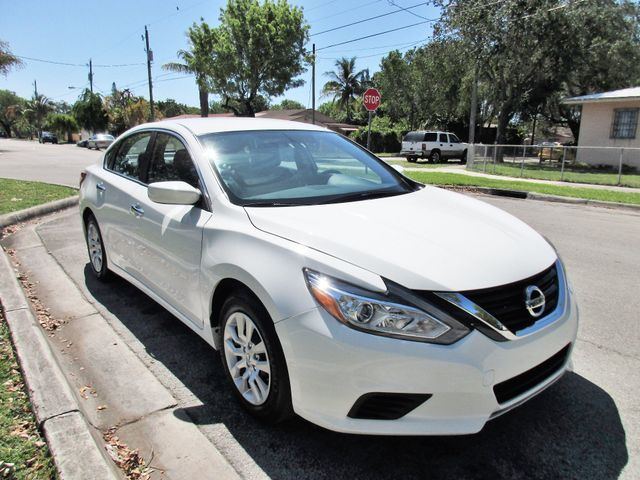 2017 Nissan Altima 25 S Come and visit us at oceanautosalescom for our expanded inventoryThis o