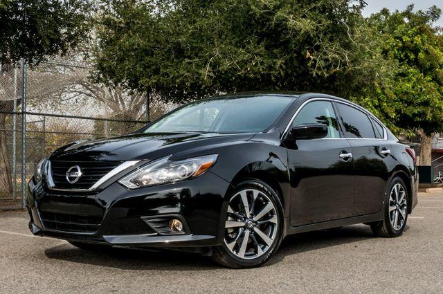 2017 Nissan Altima 2.5 SR *SALVAGE TITLE* Reseda, CA 1