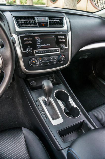 2017 Nissan Altima 2.5 SR *SALVAGE TITLE* Reseda, CA 24