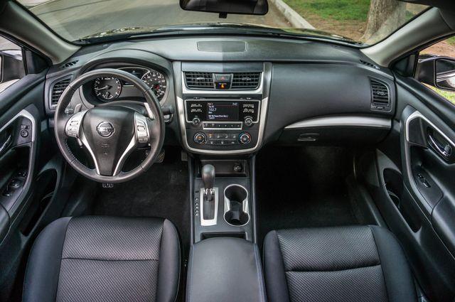 2017 Nissan Altima 2.5 SR *SALVAGE TITLE* Reseda, CA 18