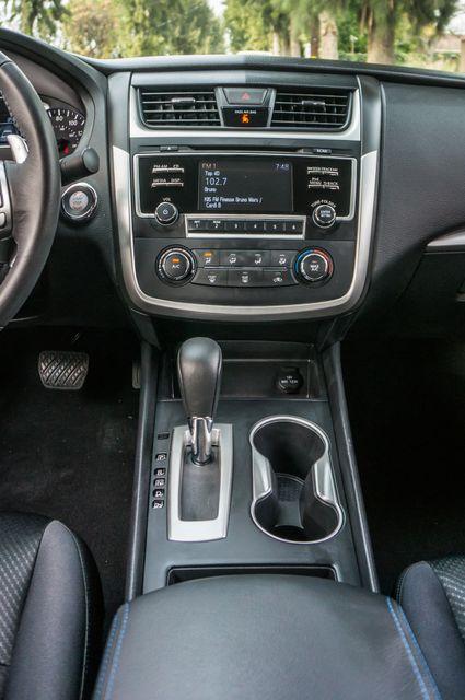 2017 Nissan Altima 2.5 SR *SALVAGE TITLE* Reseda, CA 23