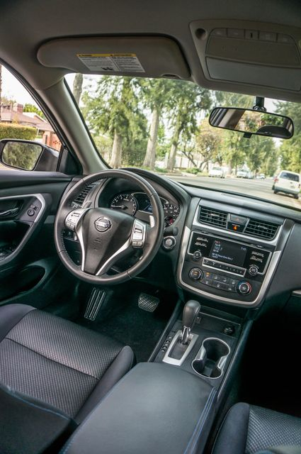 2017 Nissan Altima 2.5 SR *SALVAGE TITLE* Reseda, CA 36