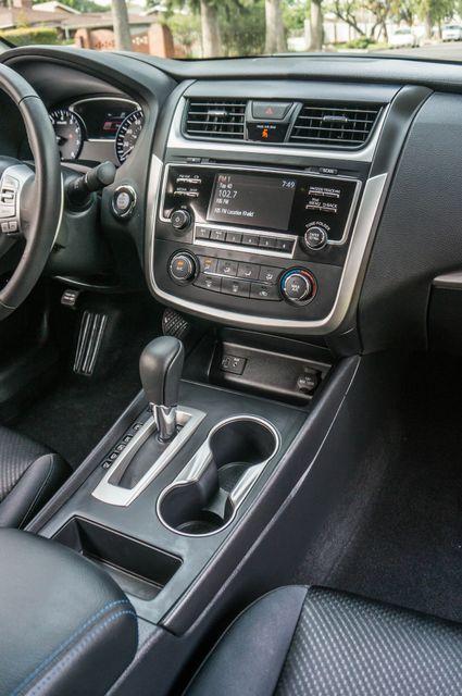 2017 Nissan Altima 2.5 SR *SALVAGE TITLE* Reseda, CA 22