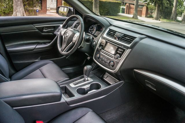 2017 Nissan Altima 2.5 SR *SALVAGE TITLE* Reseda, CA 34
