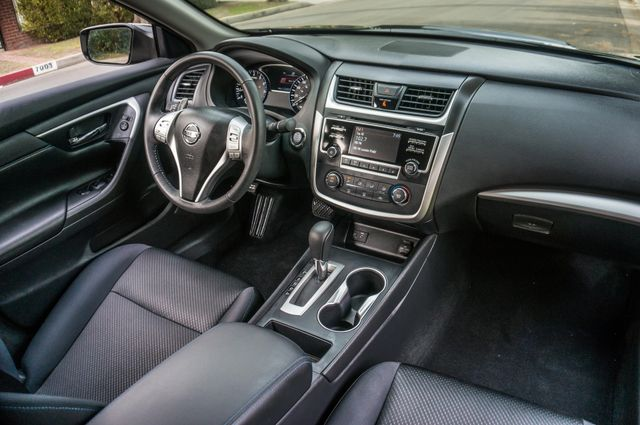 2017 Nissan Altima 2.5 SR *SALVAGE TITLE* Reseda, CA 35