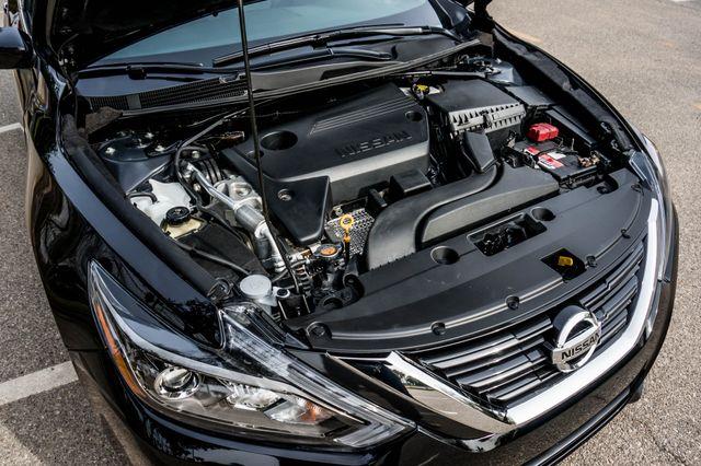 2017 Nissan Altima 2.5 SR *SALVAGE TITLE* Reseda, CA 38