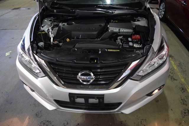 2017 Nissan Altima 2.5 Richmond Hill, New York 3