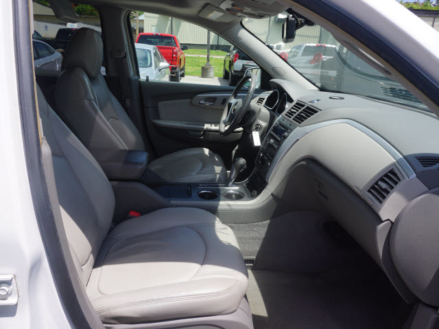 2017 Nissan Armada Platinum Harrison, Arkansas 9
