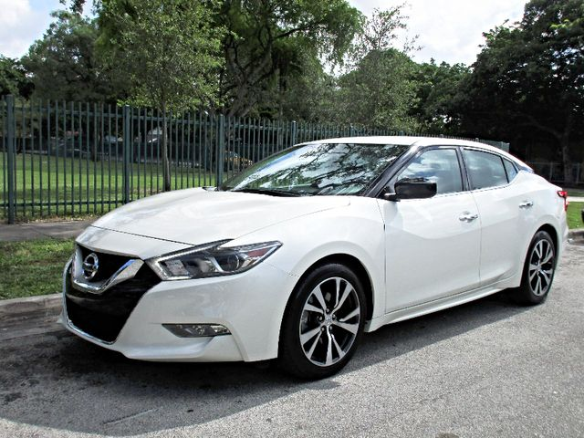 2017 Nissan Maxima SV Come and visit us at oceanautosalescom for our expanded inventoryThis offe