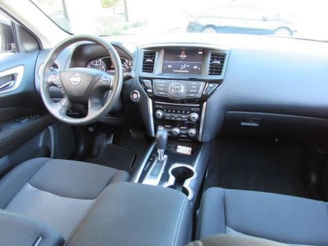 2017 Nissan Pathfinder SV | Clearwater, Florida | The Auto Port Inc in Clearwater, Florida