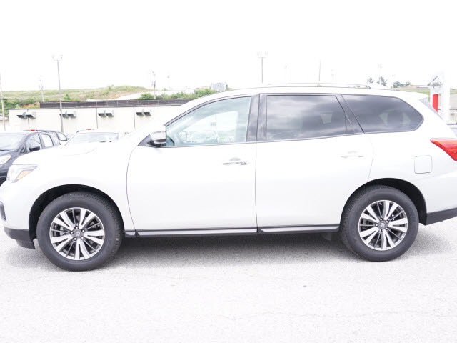 2017 Nissan Pathfinder SV Harrison, Arkansas 1