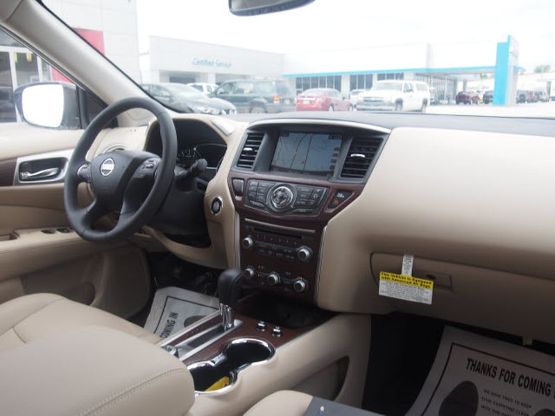 2017 Nissan Pathfinder Platinum  city Arkansas  Wood Motor Company  in , Arkansas