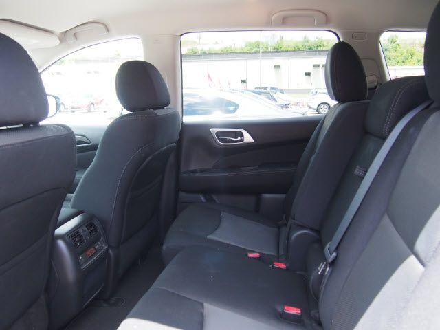 2017 Nissan Pathfinder SV Harrison, Arkansas 8