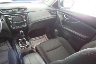 2017 Nissan Rogue SV Chicago, Illinois 14