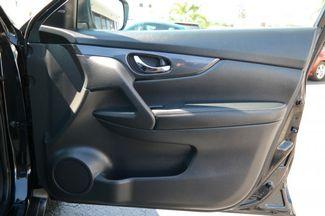 2017 Nissan Rogue SV Hialeah, Florida 44