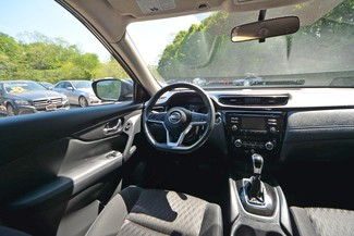 2017 Nissan Rogue SV Naugatuck, Connecticut 15