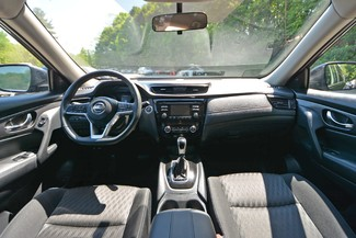 2017 Nissan Rogue SV Naugatuck, Connecticut 16