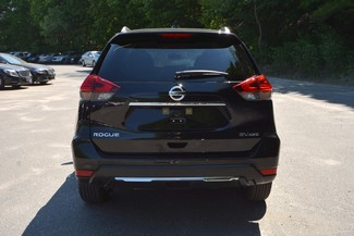 2017 Nissan Rogue SV Naugatuck, Connecticut 3