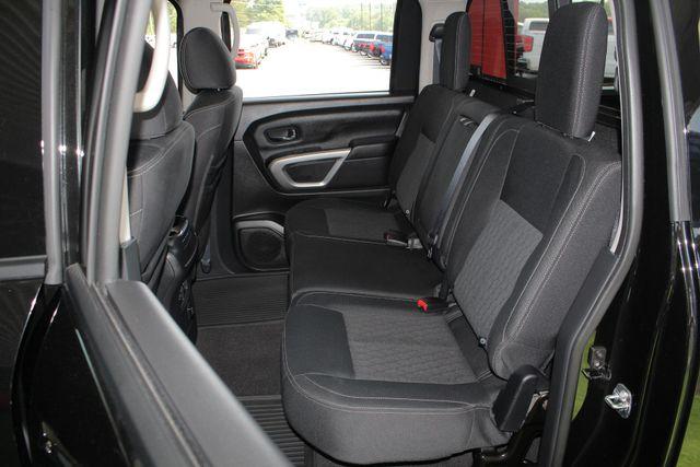 2017 Nissan Titan XD SV Crew Cab RWD W/ COMFORT/CONVENIENCE PKG! Mooresville , NC 10