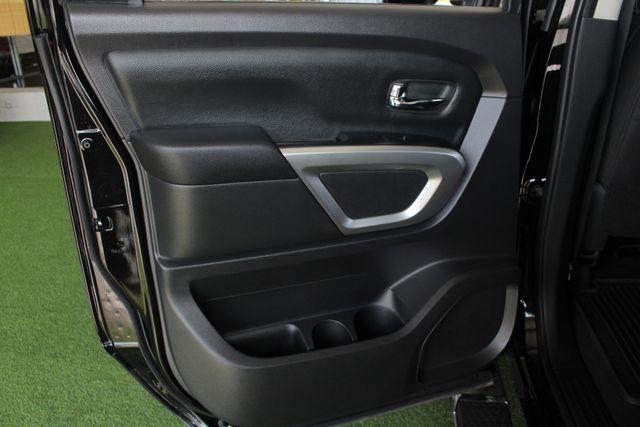 2017 Nissan Titan XD SV Crew Cab RWD W/ COMFORT/CONVENIENCE PKG! Mooresville , NC 43