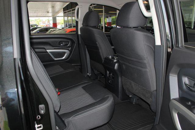 2017 Nissan Titan XD SV Crew Cab RWD W/ COMFORT/CONVENIENCE PKG! Mooresville , NC 40
