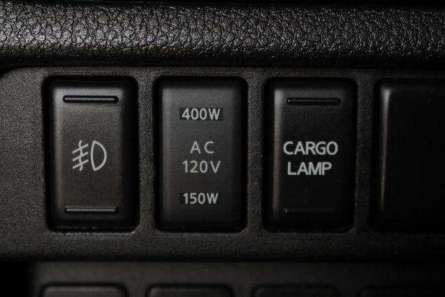 2017 Nissan Titan XD SV Crew Cab RWD W/ COMFORT/CONVENIENCE PKG! Mooresville , NC 32