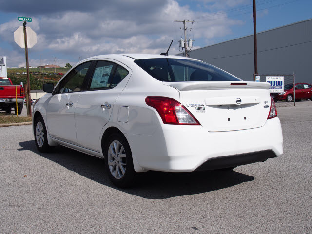2017 Nissan Versa Sedan SV Harrison, Arkansas 1