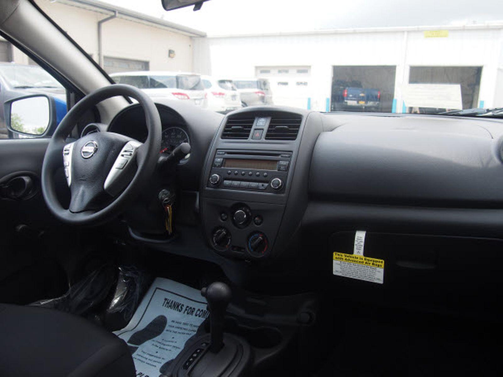 100 Nissan Tiida Sedan Interior 2011 Nissan Versa
