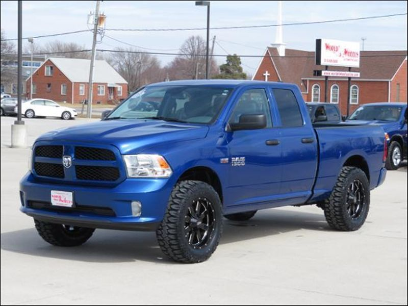 2017 Ram 1500 Express 4WD Lifted/BlackMOTOMETAL20s/MudTerrains in Ankeny IA