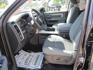 2017 Ram 1500 Big Horn Crew Cab 4x4 Houston, Mississippi 11