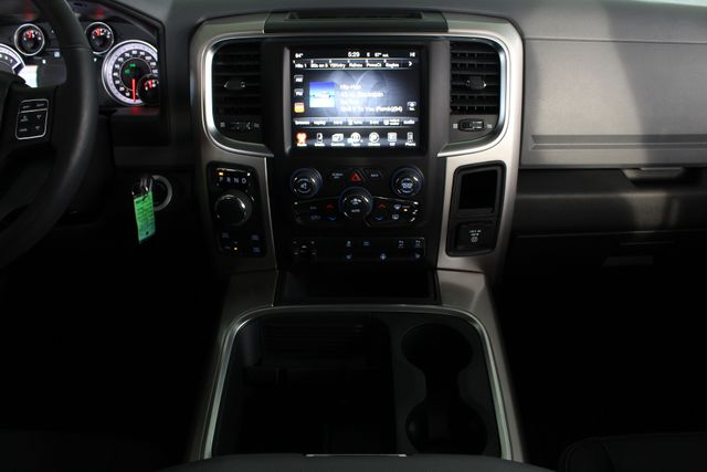 2017 Ram 1500 Big Horn Crew Cab 4x4 - SUNROOF - HEATED LEATHER! Mooresville , NC 10