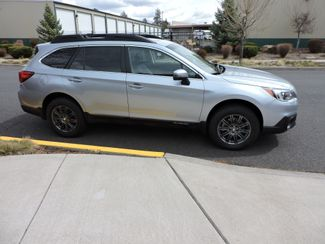 2017 Subaru Outback Limited Bend, Oregon 3