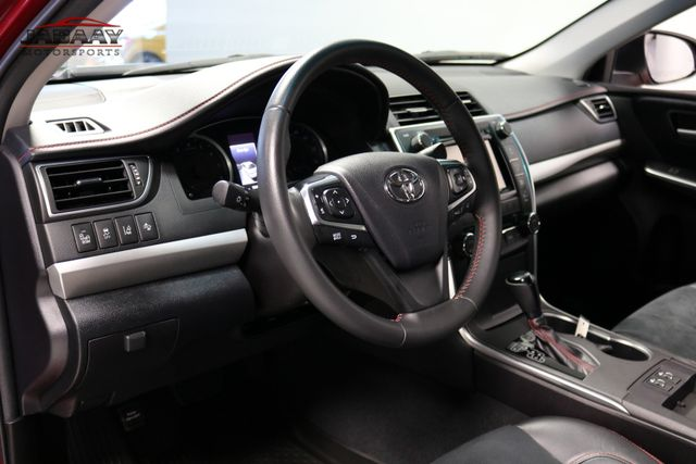 2017 Toyota Camry XSE Merrillville, Indiana 9