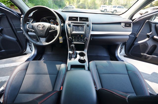 2017 Toyota Camry SE Reseda, CA 31