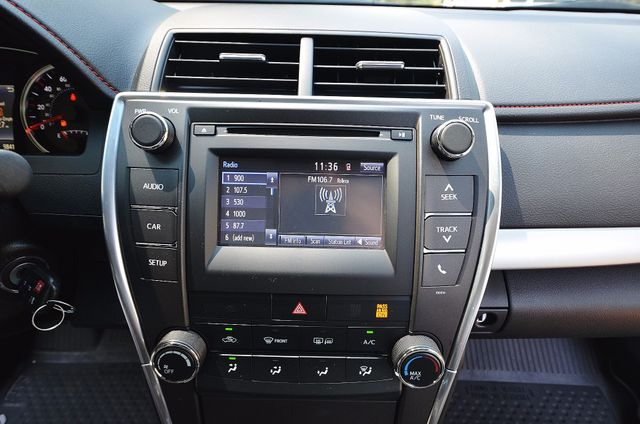 2017 Toyota Camry SE Reseda, CA 33