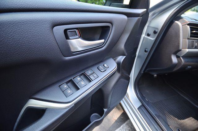 2017 Toyota Camry SE Reseda, CA 36