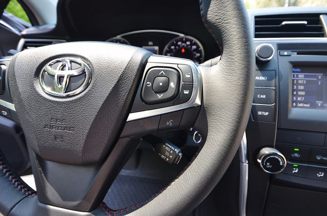 2017 Toyota Camry SE Reseda, CA 38