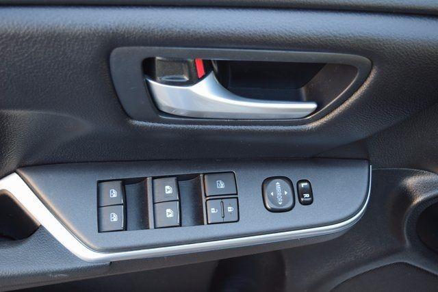 2017 Toyota Camry SE Richmond Hill, New York 11