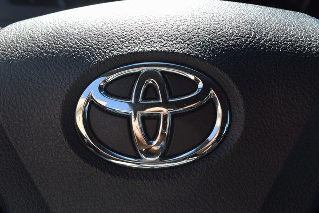 2017 Toyota Camry Richmond Hill, New York 29