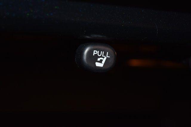 2017 Toyota Camry SE Richmond Hill, New York 18