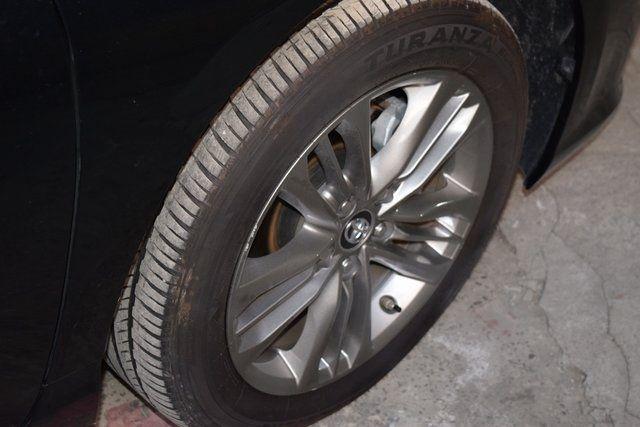 2017 Toyota Camry SE Richmond Hill, New York 8