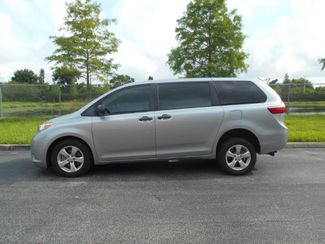 2017 Toyota Sienna L Wheelchair Van Pinellas Park, Florida 1
