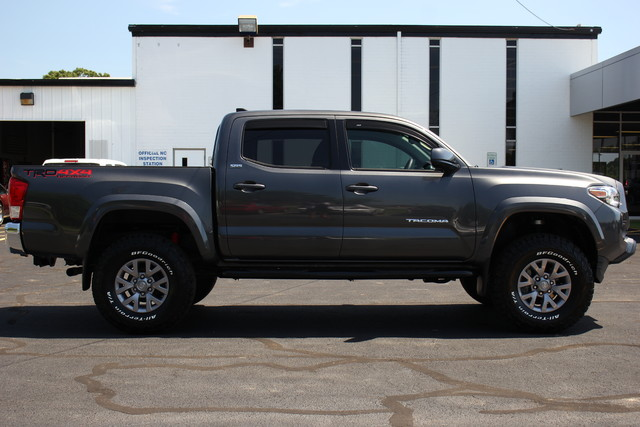 2017 Toyota Tacoma TRD Off Road Mooresville , NC 7