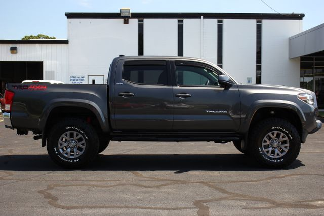 2017 Toyota Tacoma TRD Off Road Double Cab 4x4 Mooresville , NC 10