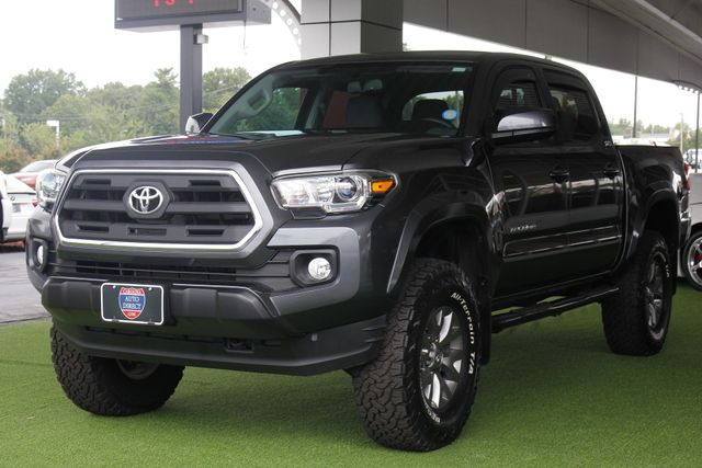 2017 Toyota Tacoma SR5 Double Cab 4x4 - LIFTED! Mooresville , NC 26